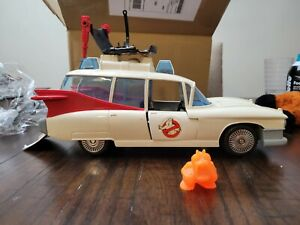 1986 Kenner Real Ghostbusters Ecto-1