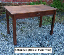 M201682 - Table ancienne en pin massif avec tiroir - Très bon état
