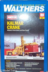 Walthers #933-3109 Kalmar Crane (Plastic Kit) HO Scale