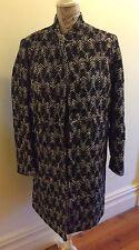 Perri Cutten Black & White Coat Pre-Owned great condition Size L fit 14-16