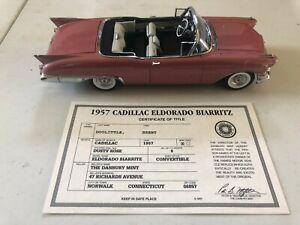 The Danbury Mint 57 CADILLAC ELDORADO BIARRITZ Metal Die-cast 1/24 Scale Car