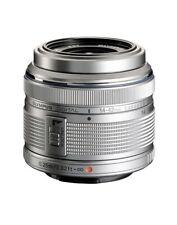 Olimpus Digital M.Zuiko Objektiv 14-42mm 1:3.5-5.6 II R MSC in Silber + Extras