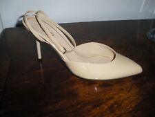 Gucci Nude patent leather pumps sz.38, U.S. 8 Heels