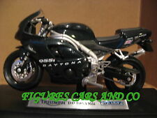 MOTO 1/18 TRIUMPH  955i DAYTONA 2002 WELLY