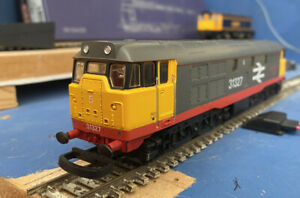 """LIMA 205234 Class 31 31327 """"Philips Imperial"""" Diesel Loco Railfreight Red Stripe"""