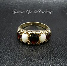 9ct Gold Garnet and Opal Graduated 5 Stone Ring Size M 3.28g