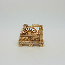 9ct Gold Vintage English Water Wheel Charm.  Goldmine Jewellers.