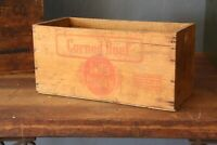 Vintage antique wood crate box Corned Beef swifts premium New York Advertising