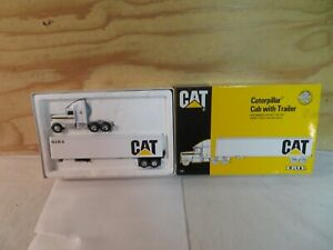 ERTL 1/64 SCALE DIECAST CAT CATERPILLAR SEMI TRUCK TRACTOR TRAILER SET 7712
