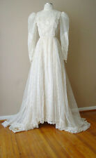 VINTAGE ILGWU  IN USA MESH LACE EMBROIDERED IVORY LONG TRAIN WEDDING DRESS GOWN