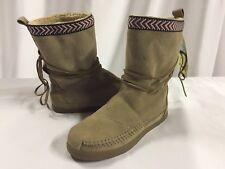 Toms Women's Alpa Boot size 6 Sand Suede Trim