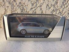 Audi RS6 C6 Avant 2008 Monzasiber (gris argent ) 1/43 MINICHAMPS sous boite