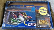 HOT WHEELS 2005 X-PANDABLES GARAGE SET WITH BONUS HUMMER VEHICLE