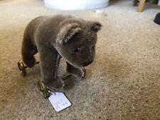 STEIFF MUSEUM EDITION --------BEAR ON WHEELS