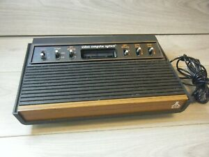 RETRO VINTAGE ATARI 2600 WOODY SIX BUTTON GAME CONSOLE ONLY TRIED TESTED