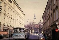 RR04 ORIGINAL KODACHROME 1960s 35MM SLIDE FOREIGN BUS STREET SCENE GERMAN?
