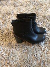 Ladies Clarkes Black Leather Ankle Boots Size 7