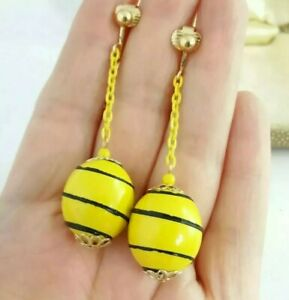 Vintage style Retro 60s bright yellow bead drop dangle clip on earrings