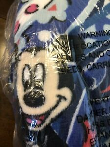 New DISNEY VERA BRADLEY THROW BLANKET IN MICKEY MOUSE WHIMSICAL PAISLEY Blue