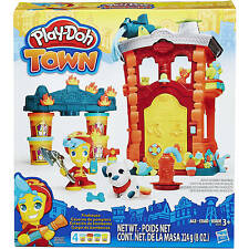 Play-Doh Town Firehouse Modeling Compound Playset NEW!