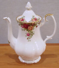 """ROYAL ALBERT BY ROYAL DOULTON OLD COUNTRY ROSES PATTERN COFFEE POT 6 1/4"""" NEW"""