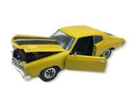 ERTL American Muscle 1970 Chevy Chevelle SS Yellow  Cowl Induct 1:18 Diecast Car