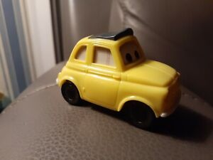 MCDONALDS PIXAR DISNEY CARS MOVIE  2006 LUIGI TOY CAR PULL BACK HAPPY MEAL