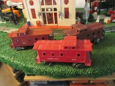 LIONEL  POST WAR 3 CABOOSE LOT PARTS RESTORE USE AS IS CHEAP