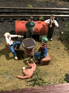 WOODLAND SCENICS CHECKER PLAYERS O SCALE FIGURES & DIESEL Tank