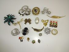 Lot Of 20 VTG Flower Brooches PORCELAIN Gold & Silver tone Bridal Brooches Pins
