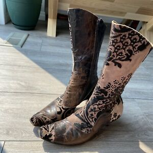 Women's Cydwoq Vintage Handmade Leather Western Boots Size 9.5