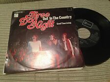 "THREE DOG NIGHT SPANISH 7"" SINGLE SPAIN OUT IN THE COUNTRY - CLASSIC ROCK 70"