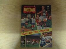 May 1962, CHARLES BUCHAN'S FOOTBALL, Johnny Haynes, Jimmy Adamson, Cliff Jones.