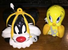 Warner Brothers Studios - Sylvester & Tweety Bird Ceramic Salt & Pepper Shakers