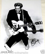 CHUCK BERRY ROCK AND ROLL LEGEND HAND SIGNED AUTOGRAPHED PHOTO! W/PROOF +C.O.A.!