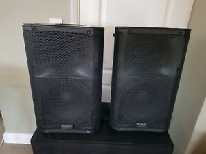 """pair QSC K10 1000w 10"""" Speakers in padded covers excellent condition"""