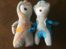 """OFFICIAL LONDON 2012 OLYMPIC MASCOTS WENLOCK AND MANDEVILLE PLUSH """"12 *GOOD* 🇬"""
