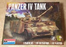 Monogram Panzer IV Tank 1/32 model kit new 7861