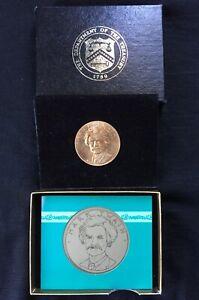 1981 MARK TWAIN COMMEMORATIVE MEDAL AMERICAN ARTS GOLD COIN W/ BOX