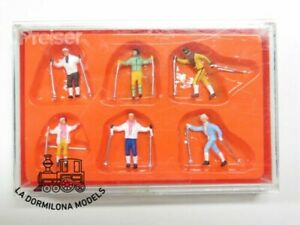 HO Preiser 10312 Cross Country Skiers WINTER FIGURES - only four of the six