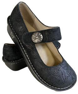 Alegria Paloma Impress sz 38 (US 7.5) Mary Janes black leather embossed PAL-383