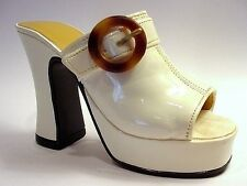 Just The Right Shoe Struttin 25047 Miniature Collectables