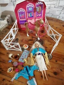Barbie Pferdestall Paket