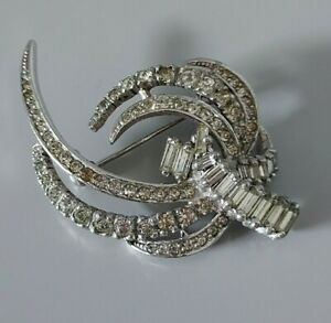 Vintage Retro Statement Silver Tone Clear Plastic Diamante Abstract Pin Brooch