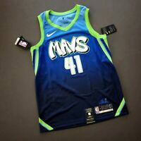 100% Authentic Dirk Nowitzki Nike Mavericks City Swingman Jersey Size 44 M Mens