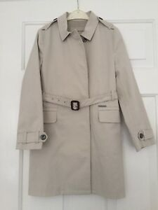 Burberry Trench Coat in Cream Size 8 Years RRP £595