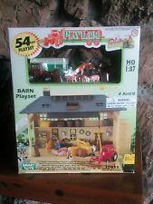 Vintage Smart Toys HO 1:87 Scale Barn 54 pcs Playset #20435
