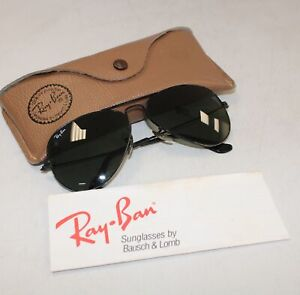 RAY-BAN Bausch and Lomb Black Metal Frame Aviator Sunglasses In Case  - W20