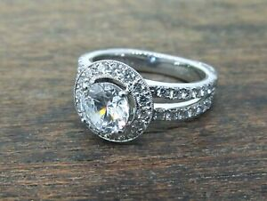 SIMON G. 18k White Gold Diamond Halo Engagement Ring Setting