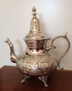 Moroccan 12 Cups X Large 40oz Tea Pot W/ 4 Welded Legs Handmade Serving Brass Si